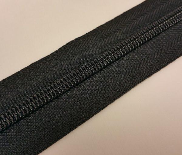 YKK 8mm zwart